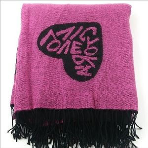 Victoria's secret super soft throw blanket